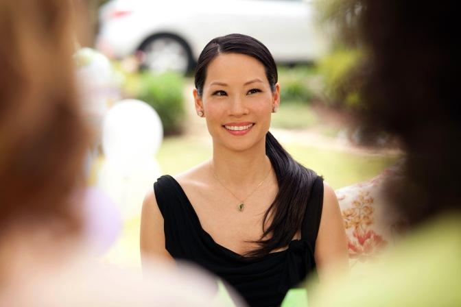 Lucy Liu incroyable dans «TROIS BAGUES AU DOIGT»