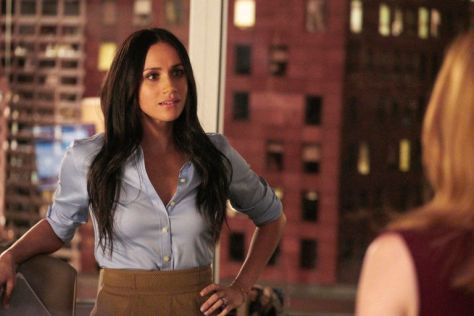 gallery-1524731791-meghan-markle-suits