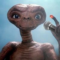 E.T. l'extraterrestre passe les fêtes avec son ami Elliot… dans une publicité pour le câble américain