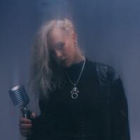 Favvkes-Black Dove